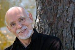 Sourire d'homme plus âgé Photographie stock libre de droits