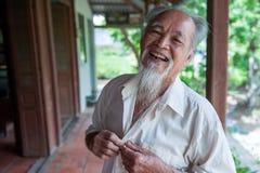 Sourire de 89 ans de Vietnamien Photos libres de droits