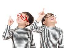 Sourire de deux frères Photographie stock libre de droits
