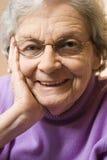 Sourire de femme âgée. Photographie stock libre de droits