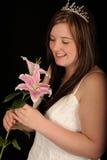 sourire de fleurs de mariée photographie stock libre de droits