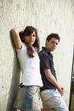 Sourire de l'adolescence de couples Image libre de droits