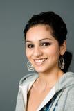 Sourire de profil de Latina photos stock