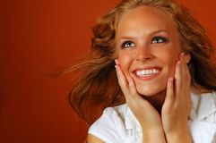 Sourire de surprise de jeune fille Photo stock