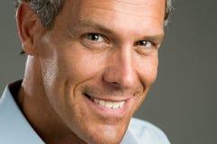 sourire de verticale d'homme Photographie stock libre de droits