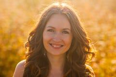 sourire de verticale de fille photo libre de droits