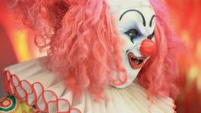 Sourire effrayant de robot de clown