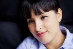 Sourire espagnol de femme Photographie stock