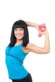 Sourire et exercice de femme avec des haltères Photo libre de droits