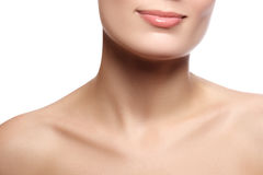 Sourire femelle heureux en gros plan avec les dents blanches saines Cosmetolog photographie stock
