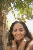 sourire femelle noir de Jeune-adulte. Images stock
