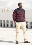 Sourire haïtien à la mode d'homme Images libres de droits