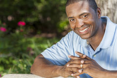 Sourire heureux d'homme d'Afro-américain Image libre de droits