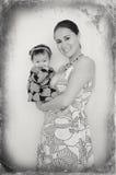Sourire heureux de famille, de mère et de bébé image libre de droits