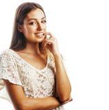 Sourire heureux de femme de cheveux assez blonds de jeunes d'isolement sur b blanc Photographie stock libre de droits