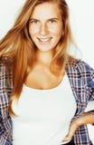 Sourire heureux de femme de cheveux assez blonds de jeunes sur b blanc Photo libre de droits