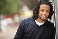 Sourire jamaïquain d'homme Photographie stock libre de droits