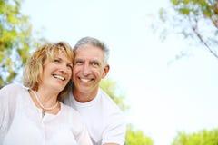Sourire mûr de couples Photographie stock libre de droits