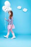 Sourire mignon de petite fille de robe de mode d'enfants d'enfants Images stock