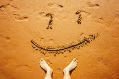 Sourire sur le sable Image libre de droits