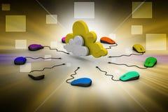 Souris d'ordinateur reliée à un nuage Photo stock