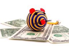Souris de jouet avec l'argent Photographie stock libre de droits