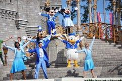 Souris de Mickey et de Minnie en monde de Disney Image libre de droits
