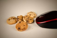 Souris mangeant des biscuits Image stock