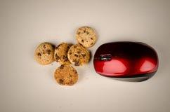 Souris mangeant des biscuits Photo libre de droits