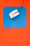 Souris sur le bleu Photographie stock libre de droits