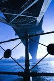 Sous la passerelle de port de Sydney. Image libre de droits