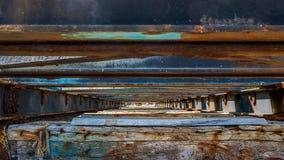 Sous la vieille prise de bateau photographie stock libre de droits