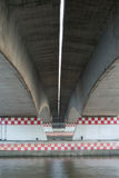Sous le pont Photographie stock