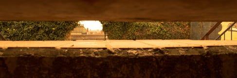 Sous les escaliers photo libre de droits