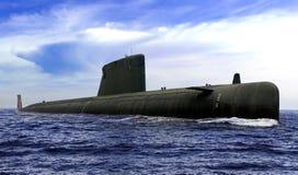 Sous-marin naval sur la surface de mer ouverte avec le ciel bleu nuageux photo libre de droits