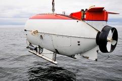Sous-marin recherchant les eaux Photo stock