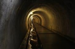 Sous-sol foncé effrayant Photos stock
