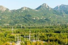 Sous-station électrique dans les montagnes de Monténégro Photographie stock libre de droits