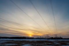 Sous-station électrique sur le fond de coucher du soleil Photographie stock