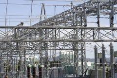 Sous-station et transformateurs de l'électricité Image stock