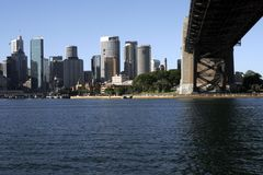 Sous Sydney Harbour Bridge image libre de droits