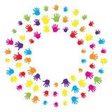 Soustrayez le cercle multicolore stylisé de la main humaine de paume Vacances de l'amitié Illustration de vecteur illustration libre de droits