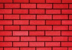 Soustrayez le vieux stuc souillé par texture superficiel par les agents gris-clair et avez vieilli le fond rouge de mur de brique photo libre de droits