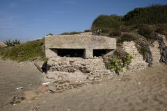 Soutes antinavire allemandes sur la plage de Nettuno Images libres de droits