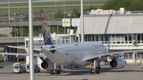 South African Airways en el aeropuerto de Munich, MUC almacen de metraje de vídeo