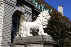 The South Bank Lion statue, Westminster Bridge, London, England Royalty Free Stock Photos