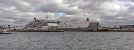 Southampton doki z przemysłowymi i pasażerskimi terminalami Obrazy Royalty Free