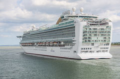 SOUTHAMPTON - JULY 13, 2014: Azura just leaving Southampton dock Royalty Free Stock Images