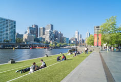Southbank Promenade with people and Melbourne skyline Stock Photos