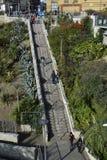 Southend на море 15/10/2017 Туристы идя вниз с лестниц Стоковые Фотографии RF